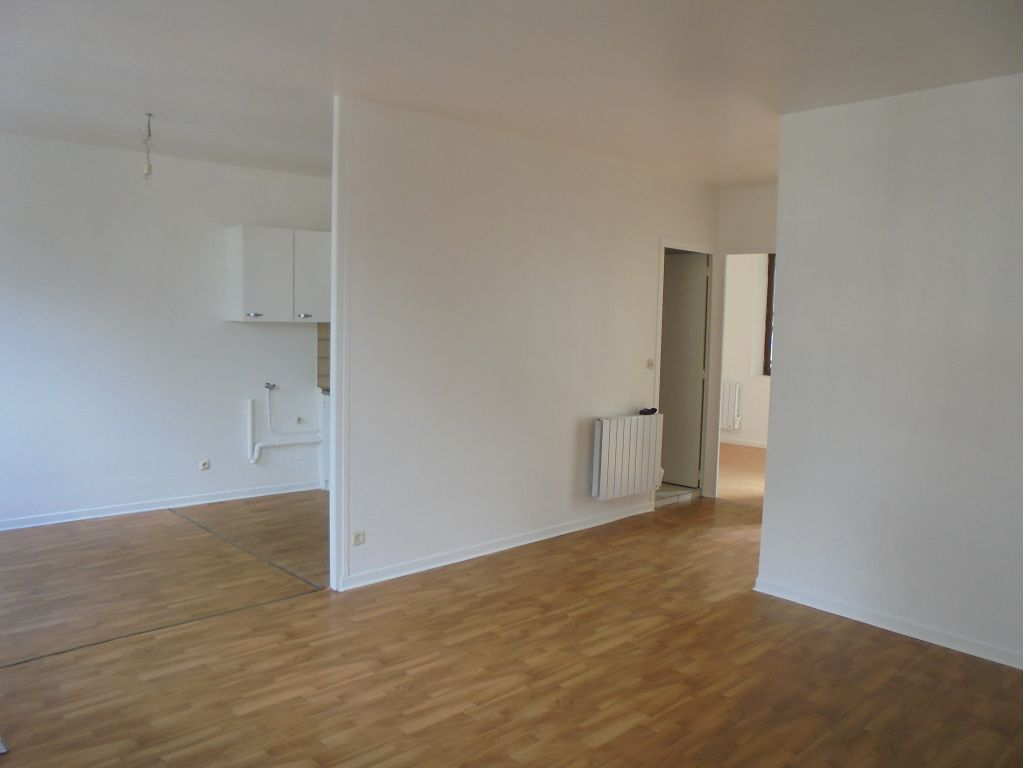 location Appartement F2 SAINT JUST MALMONT